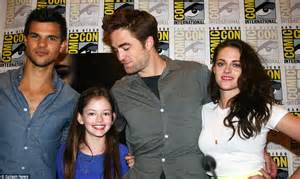 Mackenzie Foy And Her Parents | www.imgkid.com - The Image ...