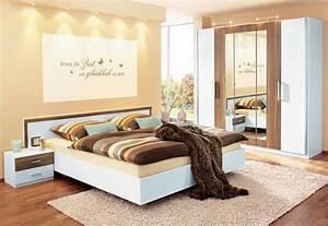 Schlafzimmer farben beispiele for Farben für schlafzimmer