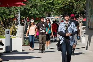 CSUN Welcomes Students Back to Campus | CSUN Today