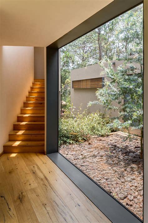 large glass window brings  ample natural ventilation decoist