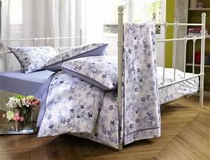 linge de lit petite fleur bleue linvosges With tapis chambre bébé avec housse de couette à fleurs