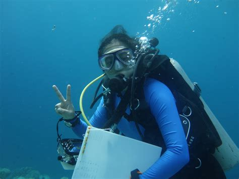 So what does a marine biologist do, exactly? - The ...