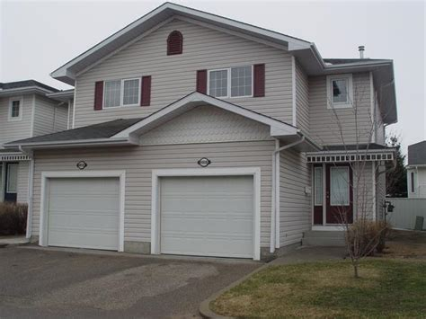 Condo With Garage For Rent by Beautiful Executive Condo For Rent With Attached Garage