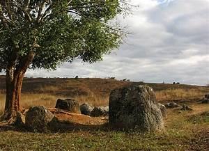 Plain of Jars - Wikipedia  Plain
