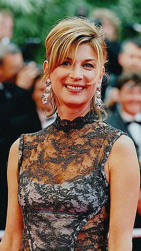 Rions à nouveau ensemble dans une salle de cinéma. 33 best Michèle Laroque images on Pinterest | Actresses, French actress and History
