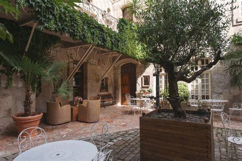 chambre troglodyte saumur chambre d 39 hôtes le patio à saumur val de loire