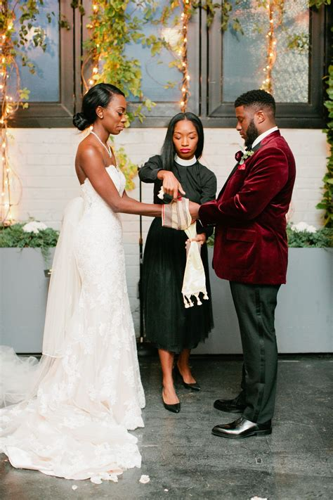 25 Creative Wedding Rituals That Symbolize Unity in 2020