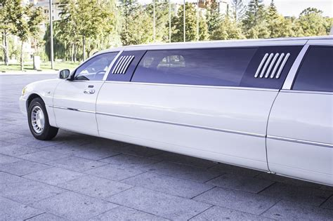 Limousine Service by 5 Tips For Finding The Limousine Service