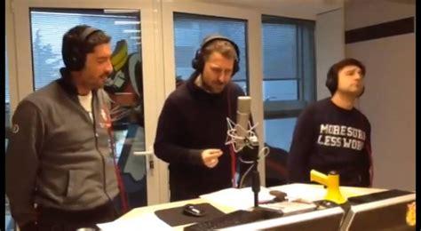 Sede Radio Deejay Neknomination Trio Medusa Su Radio Deejay