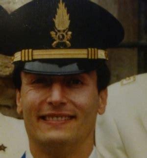 gdf si e social tenente colonnello della gdf si suicidò in ufficio la