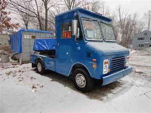 Chevrolet Grumman  1984    Van    Box Trucks