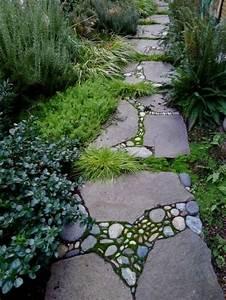 Gartenweg Anlegen Günstig : gartenwege anlegen schauen sie unsere tolle bilder mit ~ Lizthompson.info Haus und Dekorationen