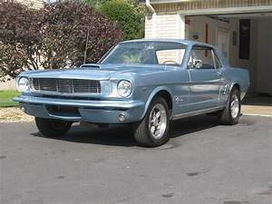 Superbly setup 66 Ford Mustang