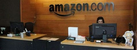 employees 2021 corporate amazon extends remote policy