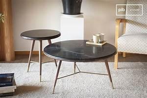 Table Marbre Noir : table basse en marbre noir siv rt noyer et inserts laiton pib ~ Teatrodelosmanantiales.com Idées de Décoration