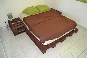 Lit En Bois : base de lit tables de chevets palette en bois projets ~ Melissatoandfro.com Idées de Décoration