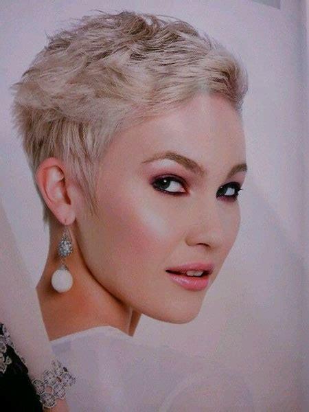 short hairstyles  women short hairstyles