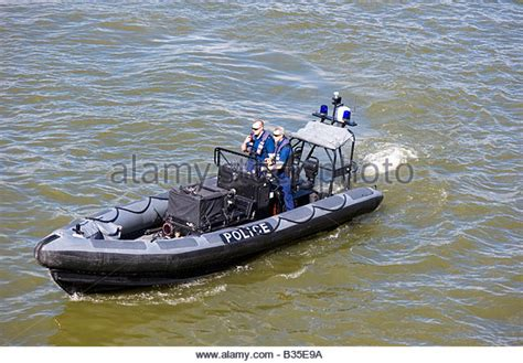 Speed Boat London Thames by Speedboat Thames Stock Photos Speedboat Thames Stock