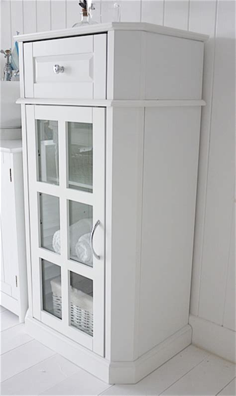Small Free Standing Bathroom Cabinet by Free Standing Bathroom Cabinets White Glazed Free