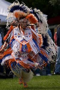Powwow | The Canadian Encyclopedia