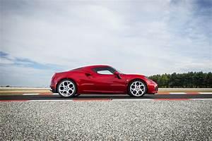 Alfa Romeo 4c Prix : l 39 alfa romeo 4c l 39 essai l 39 argus ~ Gottalentnigeria.com Avis de Voitures