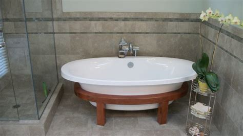 Small Bathrooms With Tubs by Soaking Tubs For Small Bathrooms Homesfeed