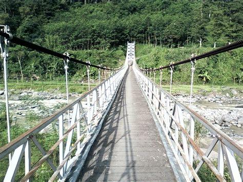 tempat wisata  tegal jawa tengah terbaru daerah guci