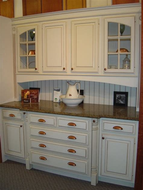 kitchen cabinets showroom displays for sale showroom displays traditional kitchen cabinetry