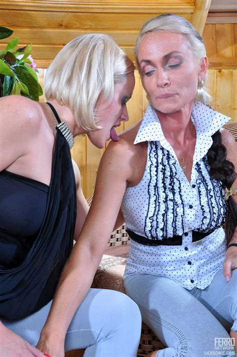Susanna And Ninette Hot Lesbian Sex Pichunter