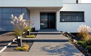 Naturstein Bodenbelag Aussen : arcadia platten richten das wohnzimmer im gr nen perfekt ein gestrahlte oberfl chen machen die ~ Whattoseeinmadrid.com Haus und Dekorationen