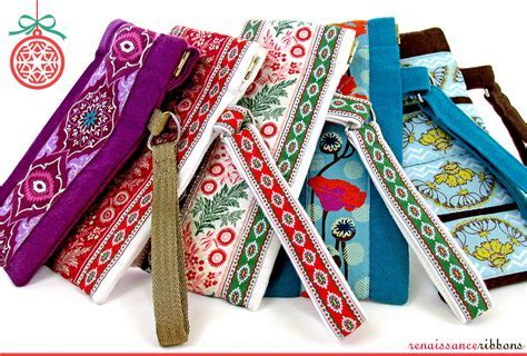 Snap Frame Eyeglass Cases with Renaissance Ribbons   Sew4Home