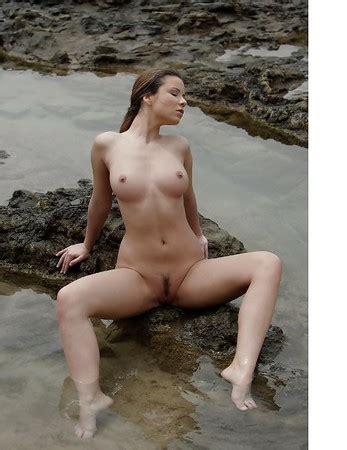 Stapleton nackt Nicola  Nudity in