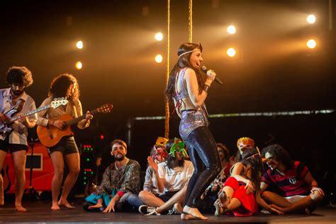 Novos Baianos: musical em cartaz no Rio traduz clima paz e ...
