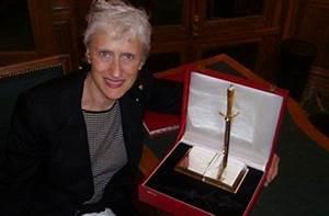Author Sara Paretsky  Best