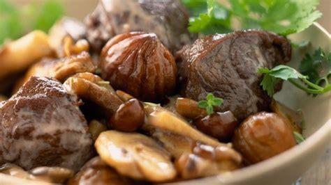 cuisiner une cuisse de chevreuil châtaigne et marron nos meilleures recettes l 39 express