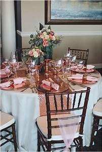 Rose Gold Decor : the 25 best rose gold centerpiece ideas on pinterest rose gold pencil case gold wedding ~ Teatrodelosmanantiales.com Idées de Décoration