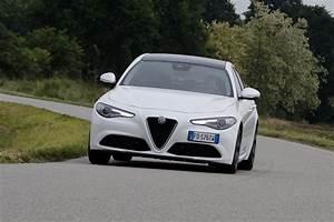 Essai Alfa Romeo Giulia : alfa romeo giulietta avis essai alfa romeo giulia notre avis d taill sur la giulia diesel photo ~ Medecine-chirurgie-esthetiques.com Avis de Voitures