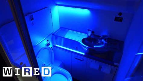 boeings  cleaning bathroom  nuke germs  uv