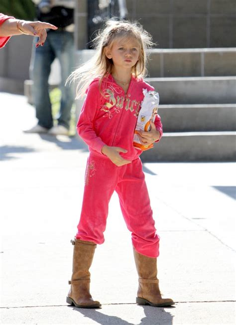 Later, leni changed her last name to her stepfather seal's (samuels) and back to. Miniature celebrity!: LENI KLUM