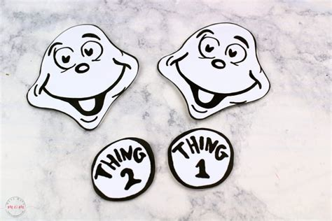 Thing 1 & Thing 2 Puppets! Dr Seuss Crafts + Free