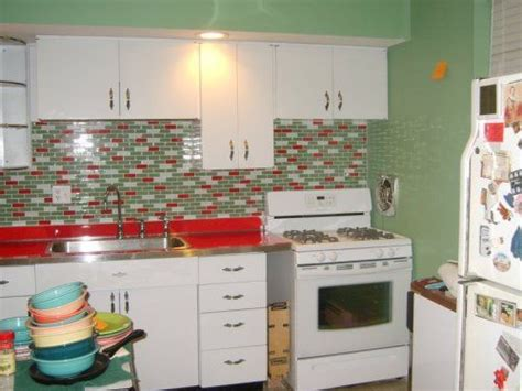 Retro Kitchen Tile Backsplash