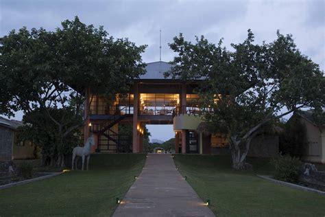 The Elephant Corridor Hotel, Sigiriya, Sri Lanka  Bookingm. Lijiang No.9 Resort Yard. Strandeen Bed And Breakfast. Morskoy Hotel. First Camp Tylosand Hotel. NH Mantegna. Donghu Service Apartment Hotel. Nanjing Days International Hotel. Bohemia Hotel
