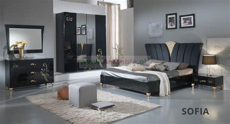 sypialnia stylizowana sofia  kolczarnym wysoki polysk