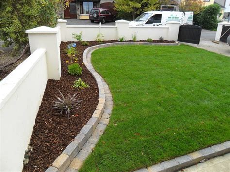Stone Landscape Edging Ideas Witih Plants And Green