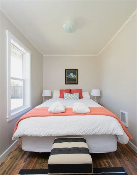 interior paint colors  small bedrooms jerry
