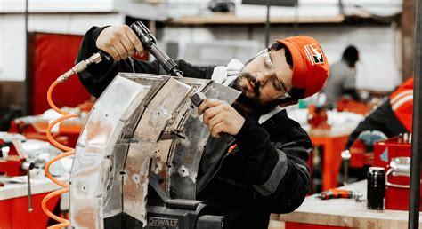 Is Becoming an Aircraft Mechanic a Good Career Choice?