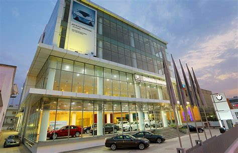 Bmw Dealerships by Bmw India Inaugurates Its Third Dealership In Delhi Ncr