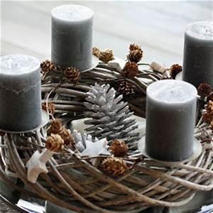 Adventskranz Ideen 2016 : adventskranz natur und grau depot herbst und winter pinterest weihnachten ~ Frokenaadalensverden.com Haus und Dekorationen