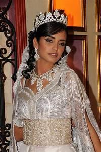 Bijoux orientaux assortie pour robe de mariee blanche for Bijoux orientaux mariage