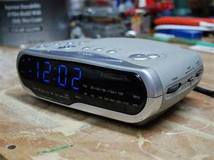 Emerson Research Model Cks1850  U201csmartset U201d Alarm Clock